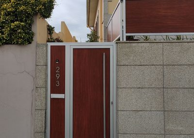 Porta de alumínio exterior com fenólico