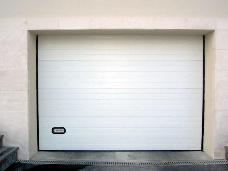 Portões Seccionados de Garagem e de Rua 2